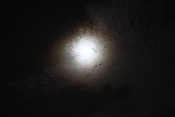 初めての満月撮影宮崎市内から