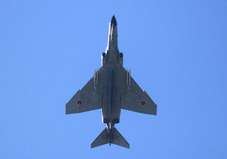 新田原機上空を旋回するf4ファントムの写真