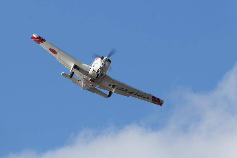 宮崎空港で訓練に励む航空大学校ビーチクラフト機