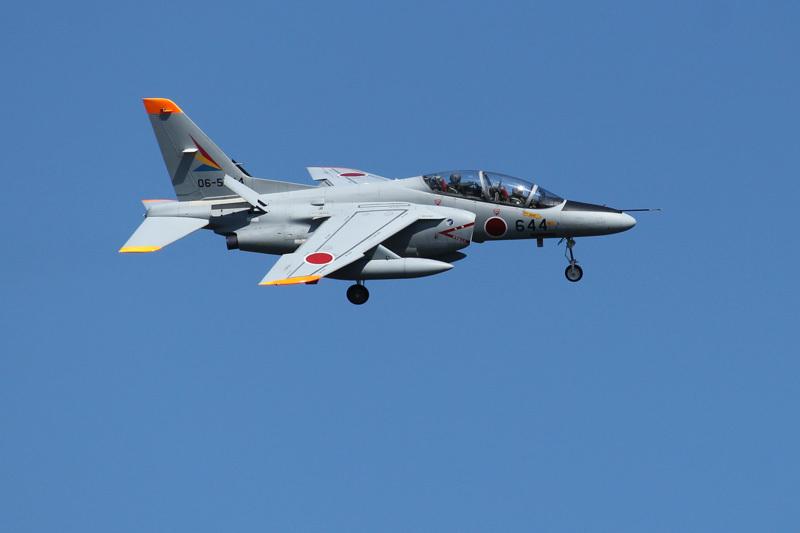 埼玉入間基地から新田原基地にやってきたT-4練習機