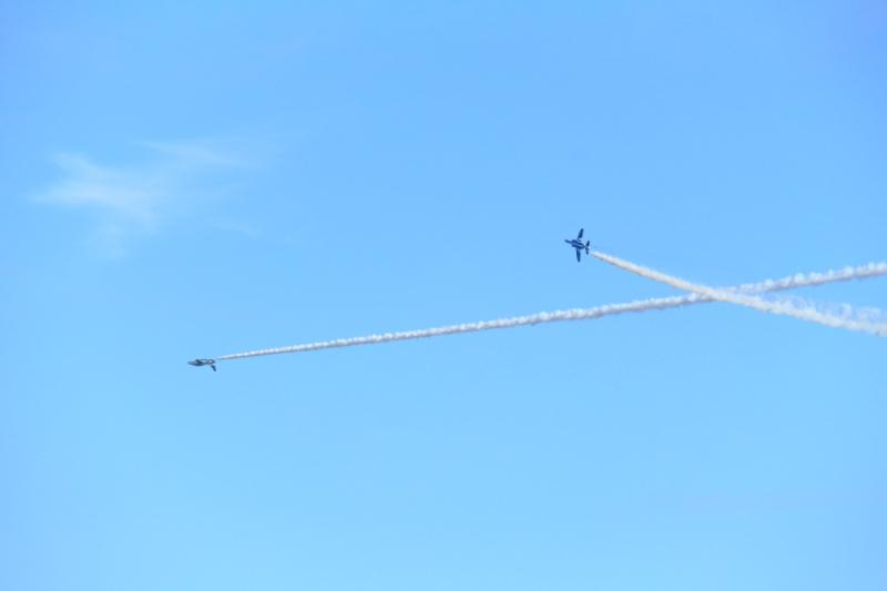 ブルーインパルスアクロバット飛行
