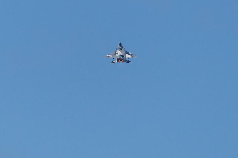 新田原基地でハイレートするアグレッサー