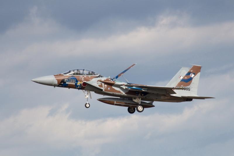 新色のf-16アグレッサー飛行