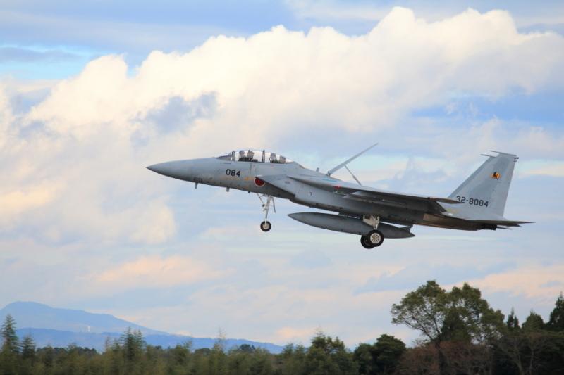 通常訓練中のF-16