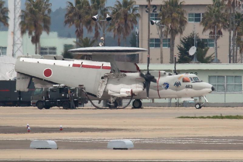新田原基地に滞在中のE-2C