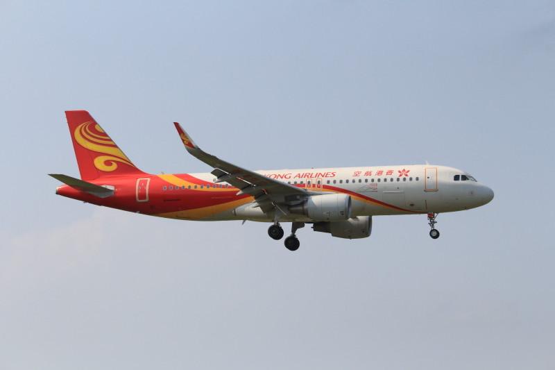 宮崎空港に着陸する香港エアライン