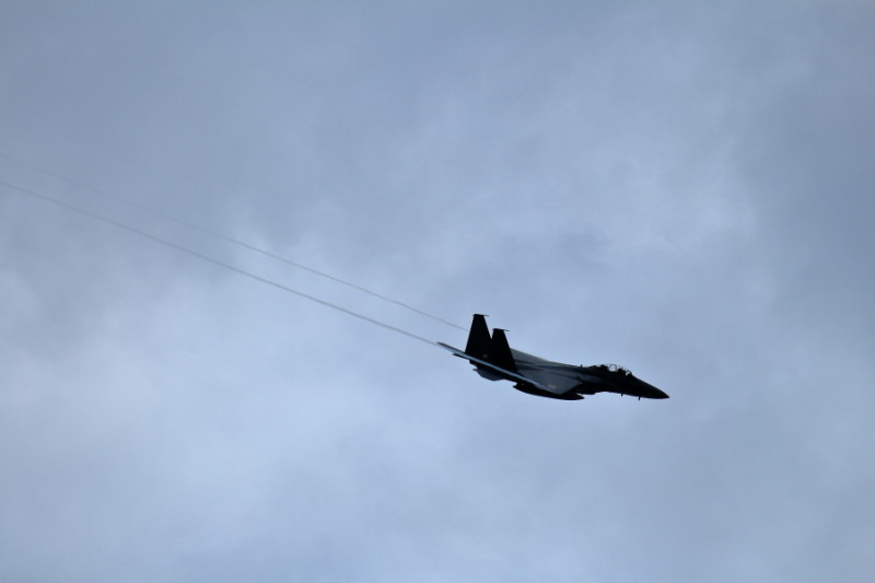 新田原基地上空を旋回するF15イーグル