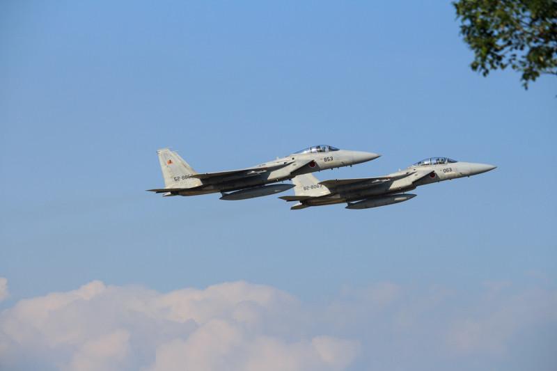 訓練に向かうF-15