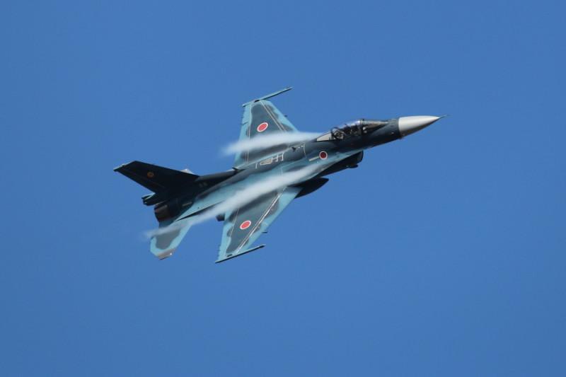 2015航空祭事前訓練に来たF-2戦闘機