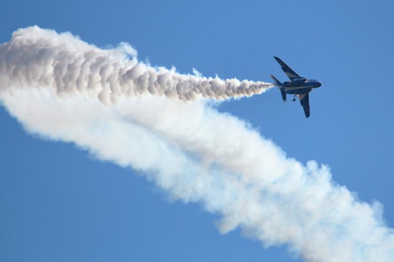 ブルーインパルスの飛行開始