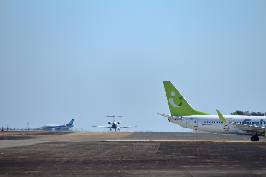 宮崎空港の出発機、到着飛行機