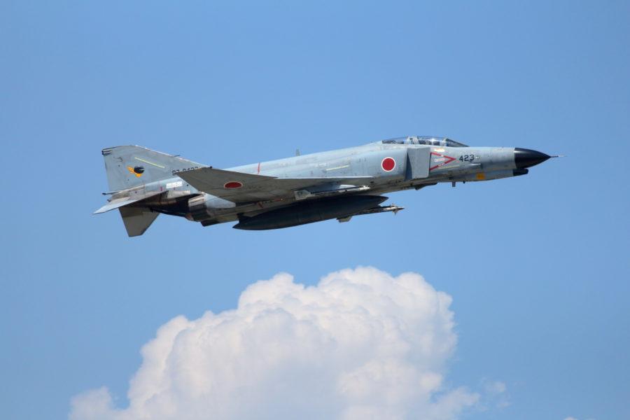 新田原基地を離陸して訓練空域に向かうファントム