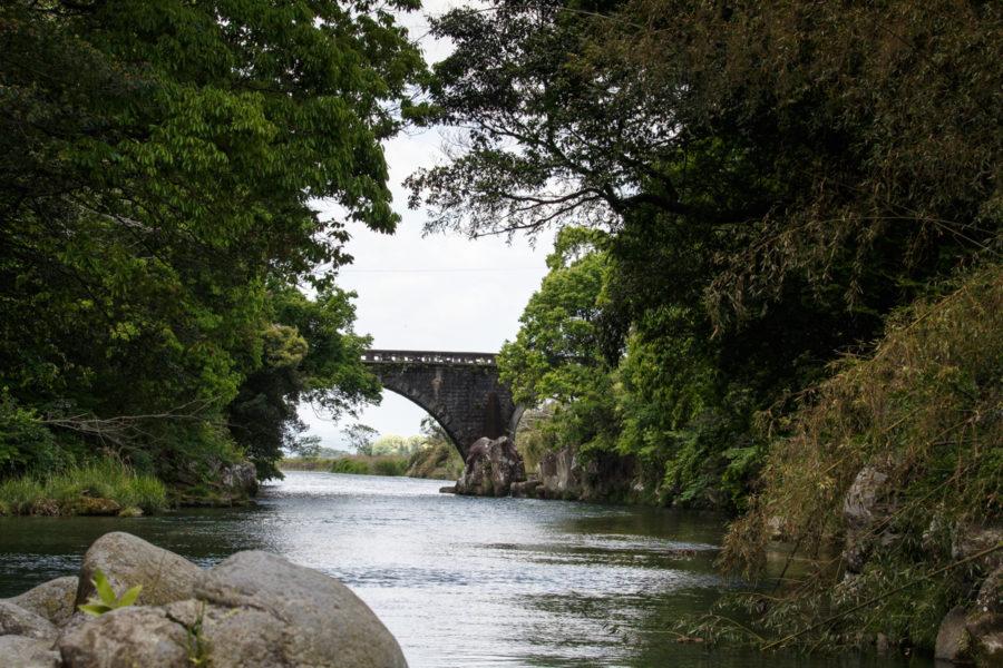 三股町石橋