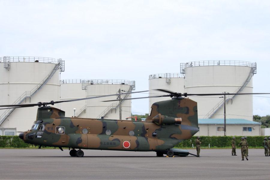 宮崎港に着陸した陸上自衛隊チヌーク