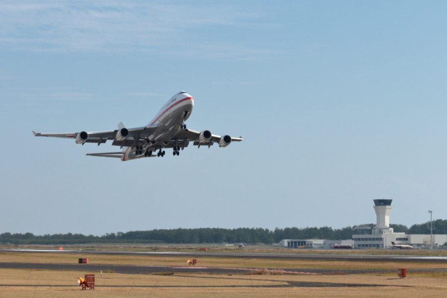 宮崎空港にやって来た政府専用機