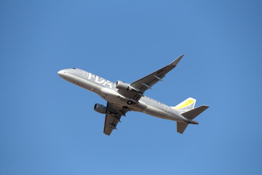 宮崎空港を離陸したFDA機。宮古空港に向かった