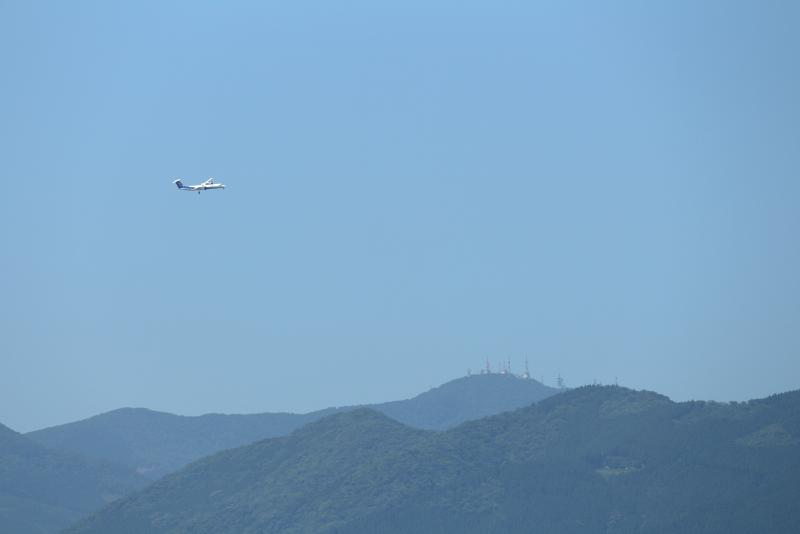 プロペラきが宮崎空港に向かう写真