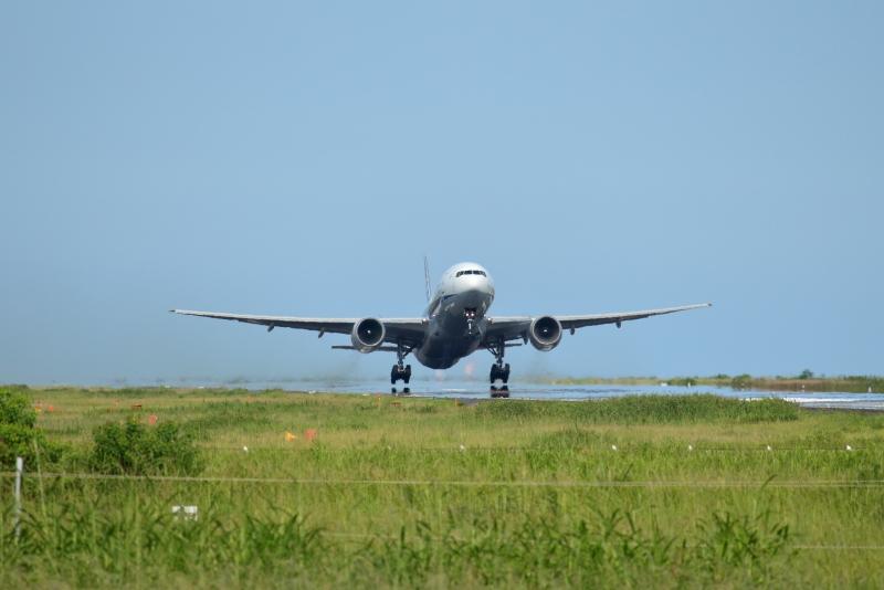 今日、宮崎空港にやって来たのはB777型機だった。なぜ