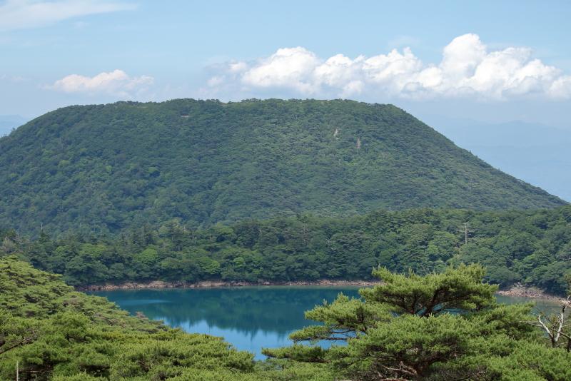 二湖パノラマ展望台から見る六観音御池